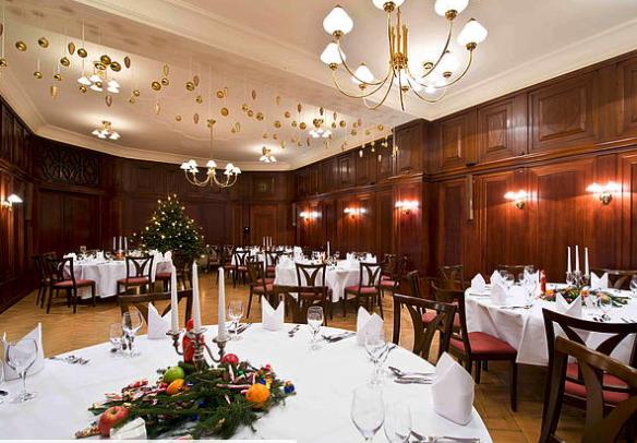 Die Perfekte Weihnachtsfeier.Dinner And Dance Eine Perfekte Weihnachtsfeier Auf Einem Schiff